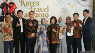 a 14 - Korea Travel Fair